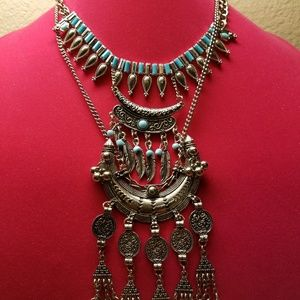 FOREVER 21 Plus a bundle necklace included